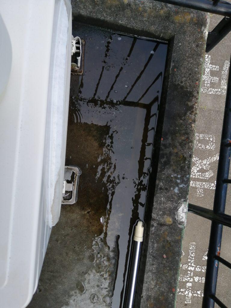 画像に alt 属性が指定されていません。ファイル名: outdoor-unit-sewage-768x1024.jpg